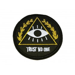 """Patch """"Trust No One"""""""